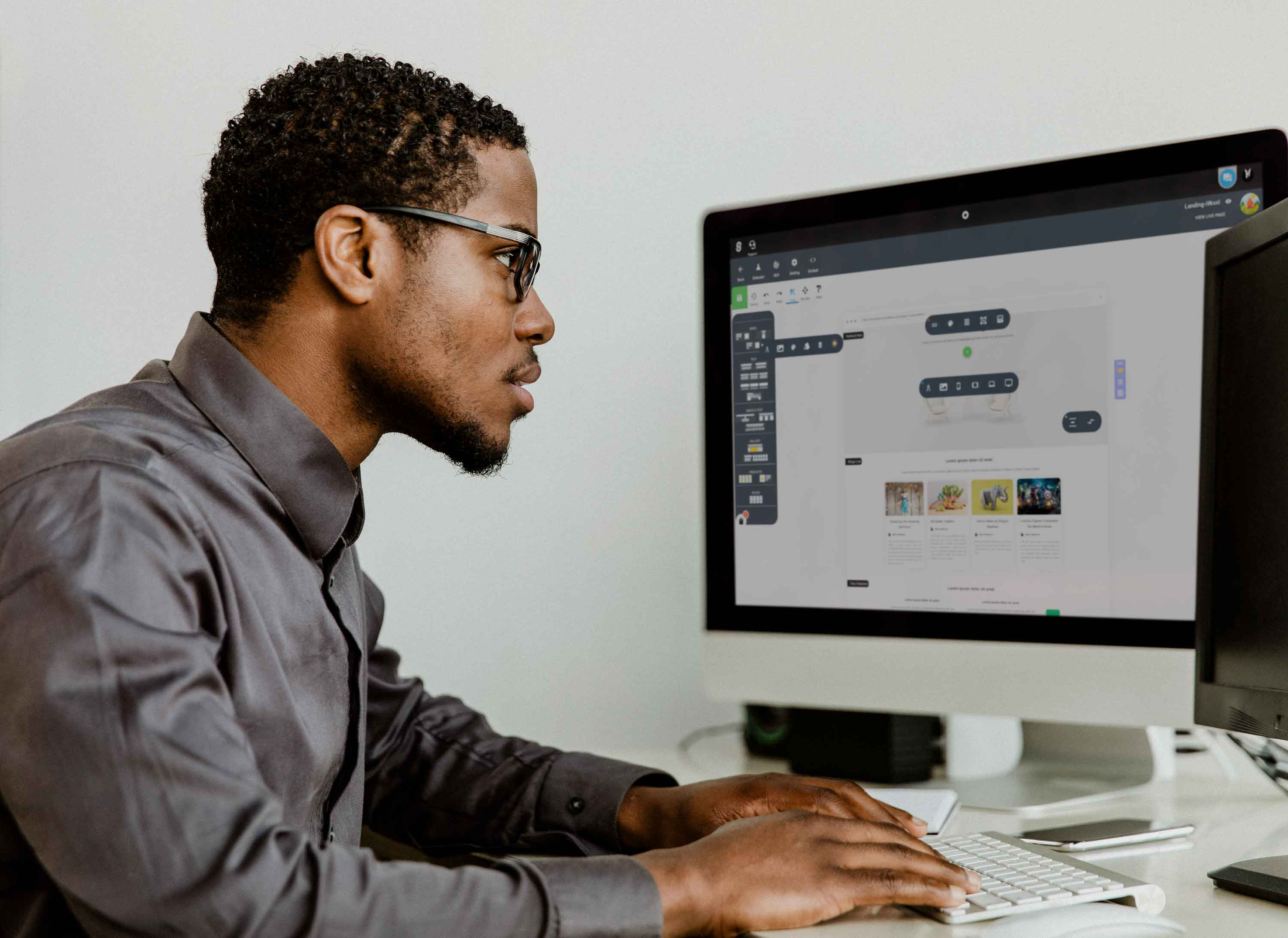 eCommerce freelancers are online employees that specialize in the eCommerce industry and